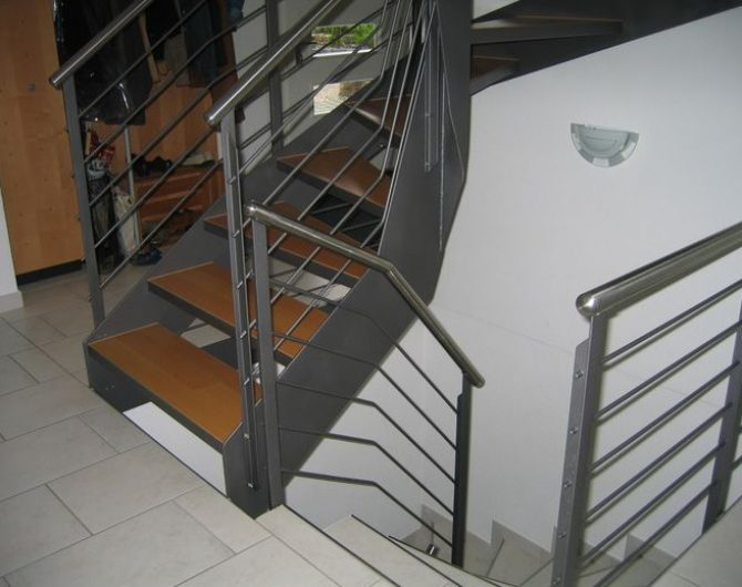 innen_treppe_7
